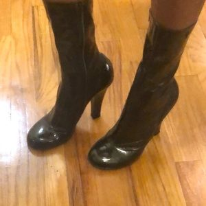 Marc jacobs patent leather boots in green